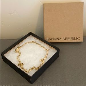 Banana Republic Gold Chocker Necklace